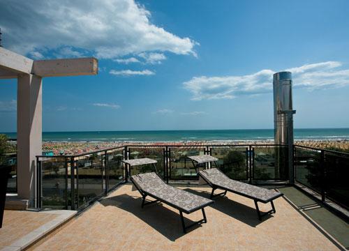 Ferretti Beach Hotel-Rimini
